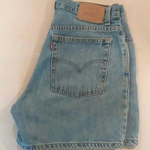 Vintage Levi high waisted mom jeans shorts